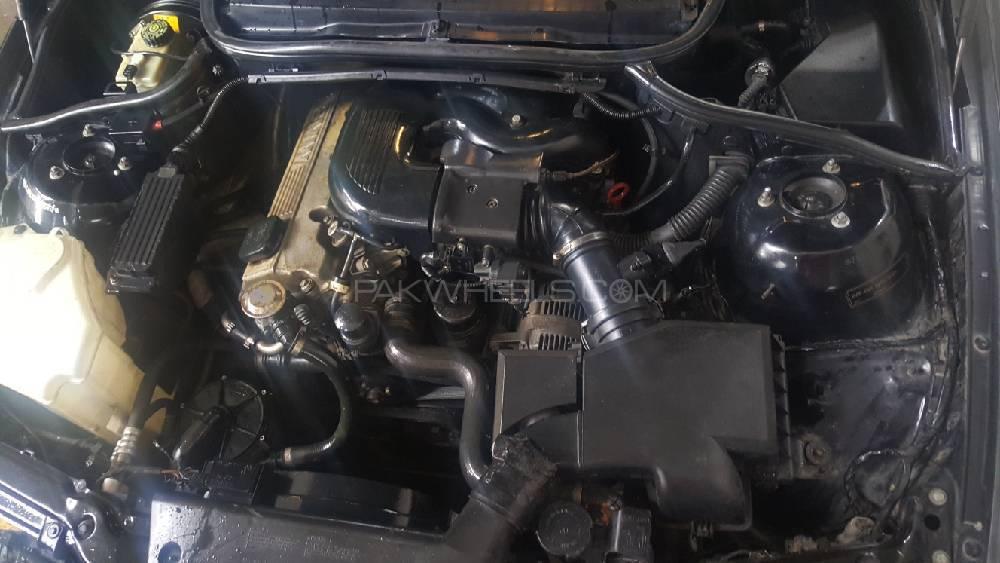 BMW 3 Series - 2001 BMW E46 Image-1