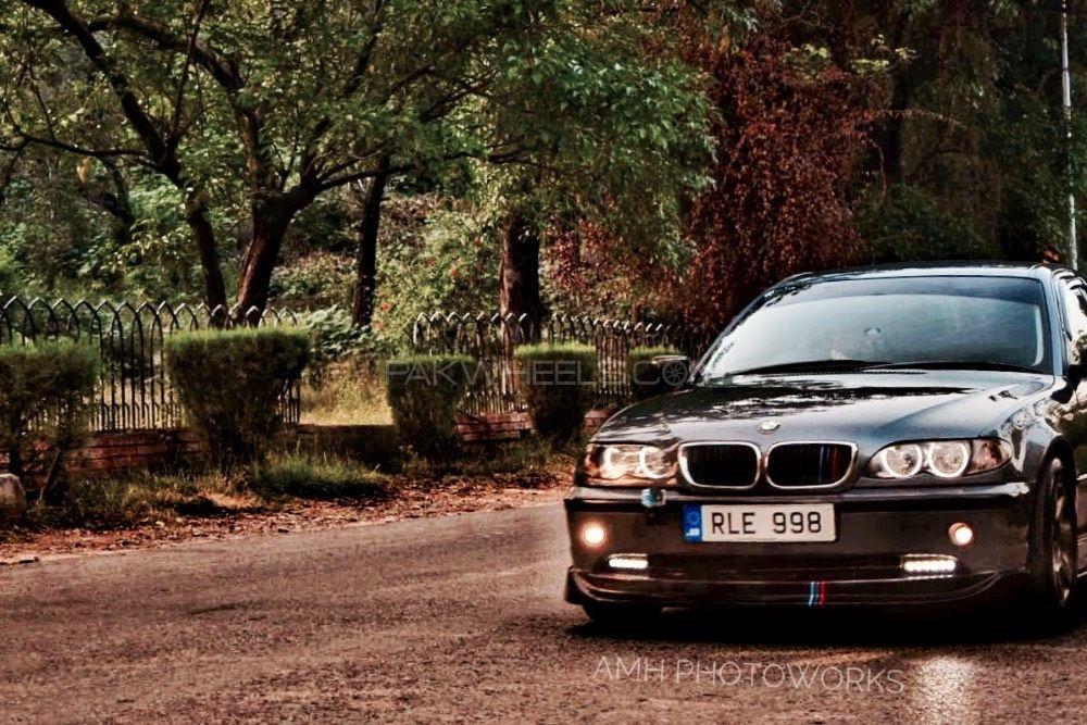BMW 3 Series - 2002  Image-1