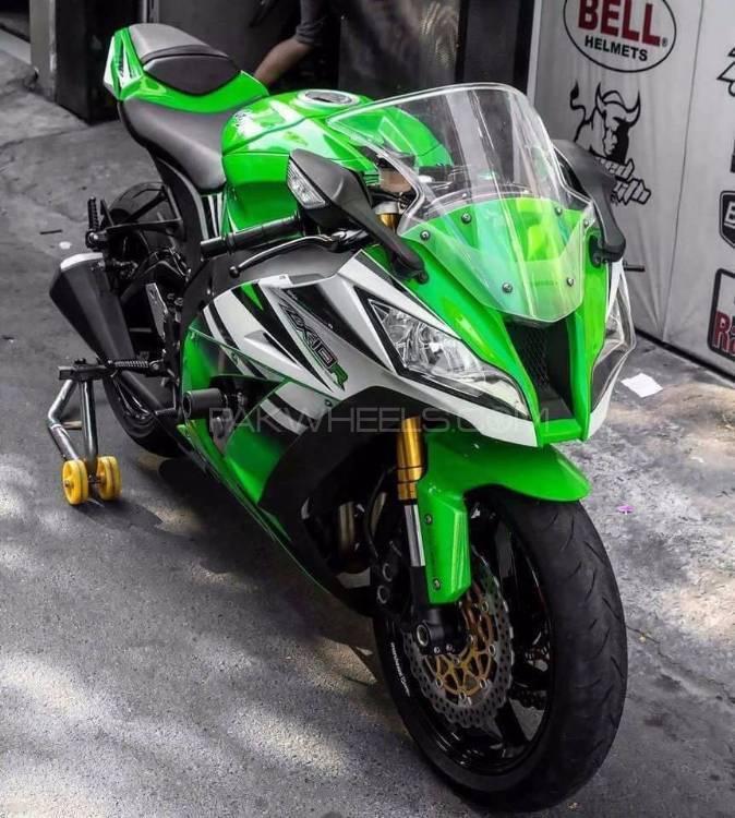 Kawasaki Ninja ZX-10R - 2011  Image-1