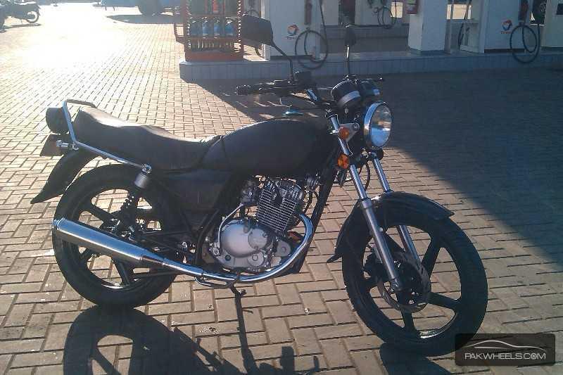 Suzuki GS 150 - 2013 Decent-Black Image-1