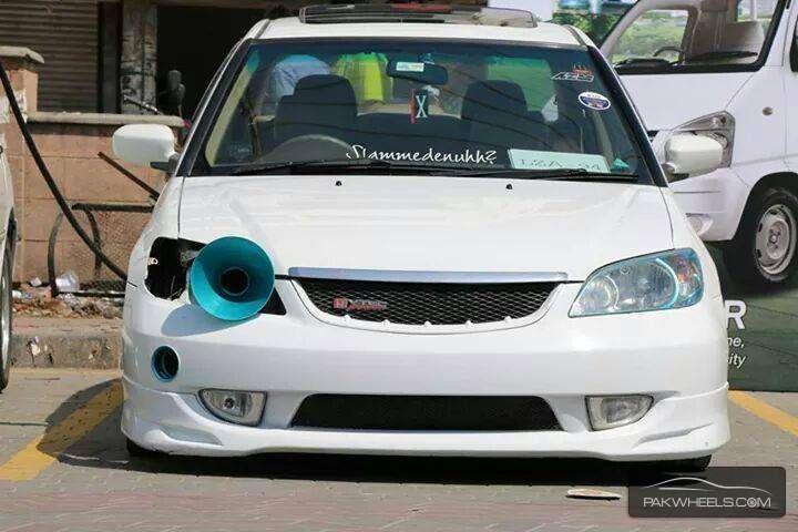 Honda Civic - 2004 White Beast Image-1