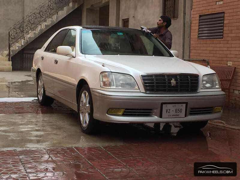 Toyota Crown - 2003 Crown  Image-1