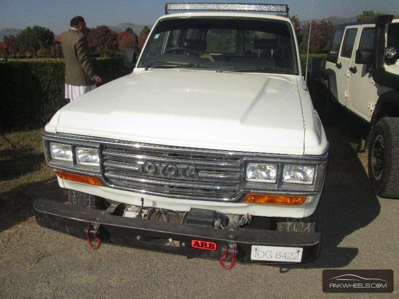 Toyota Land Cruiser - 1989  Image-1