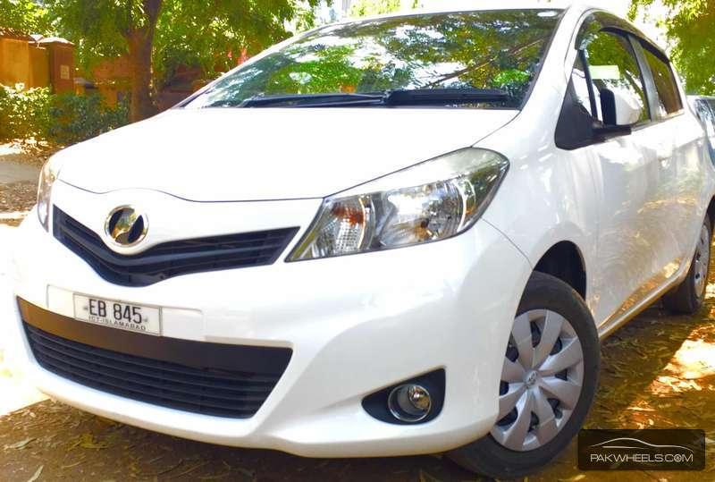 Toyota Vitz - 2015 Zain Shah Image-1