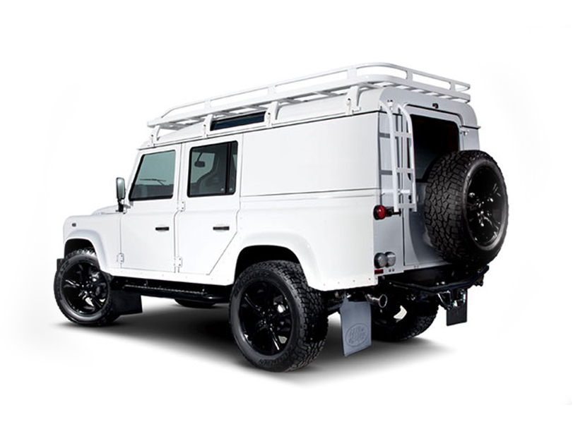 Land Rover Defender  Exterior Rear Side View