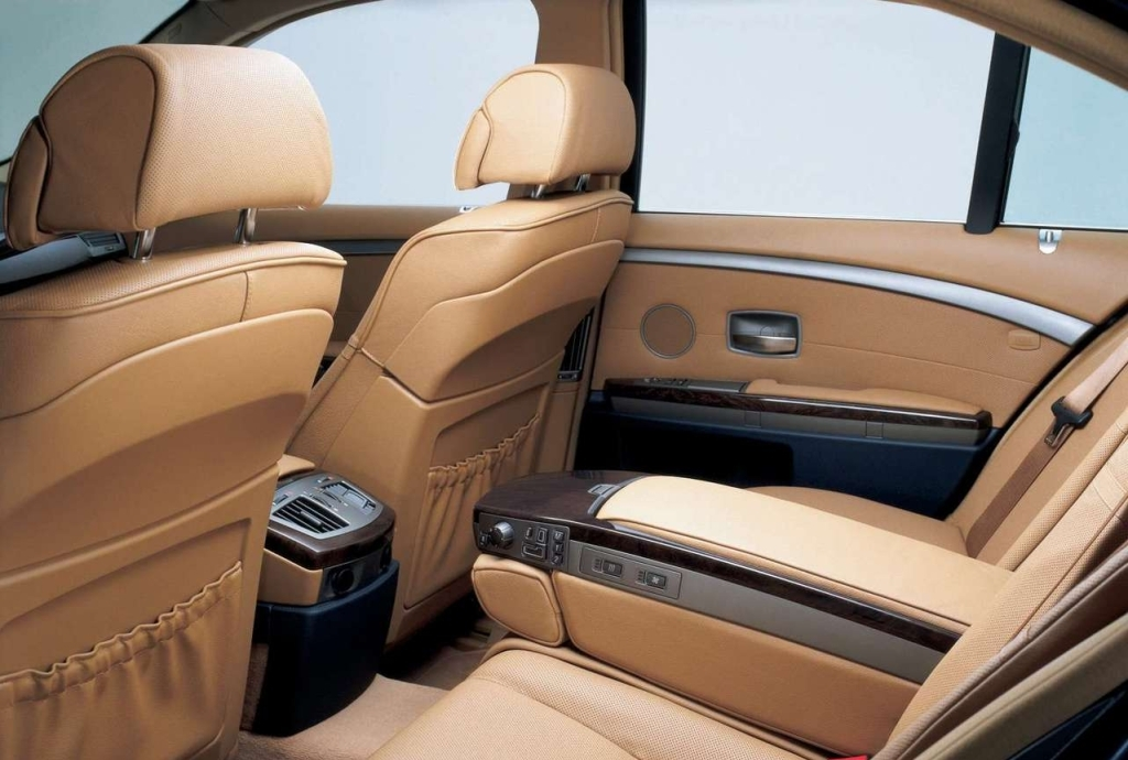 BMW 7 Series 2009 Interior Cabin