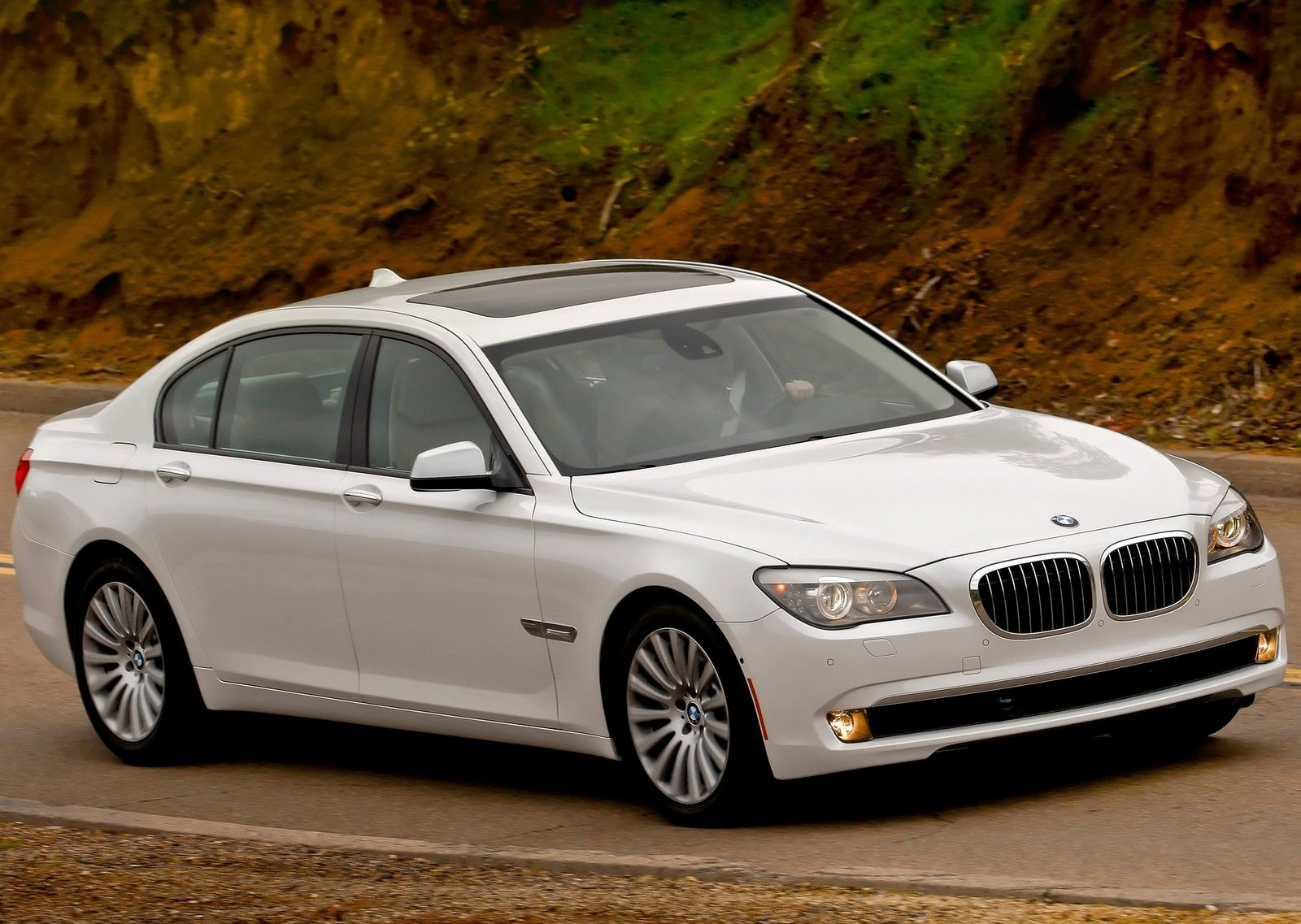 Bmw-7_series_f01_f02_mp2_pic_81166