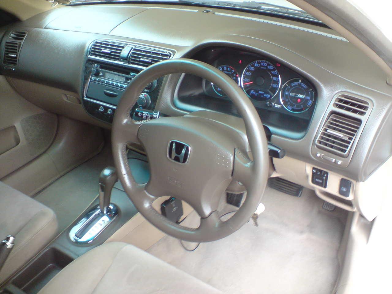 Honda Civic Hybrid 2005  Dashbaord