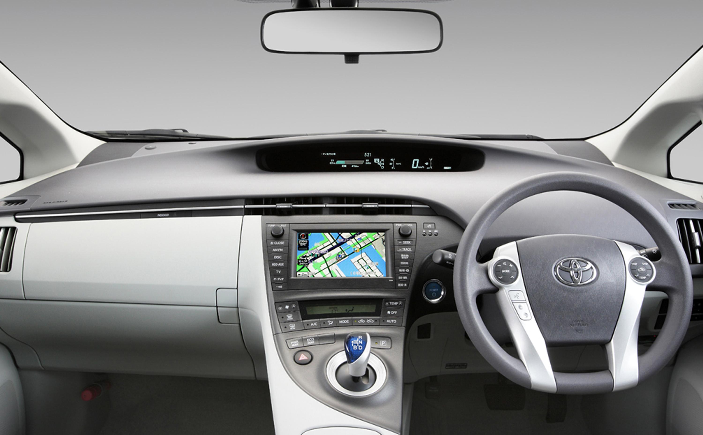 Toyota-plug-in-hybrid-09