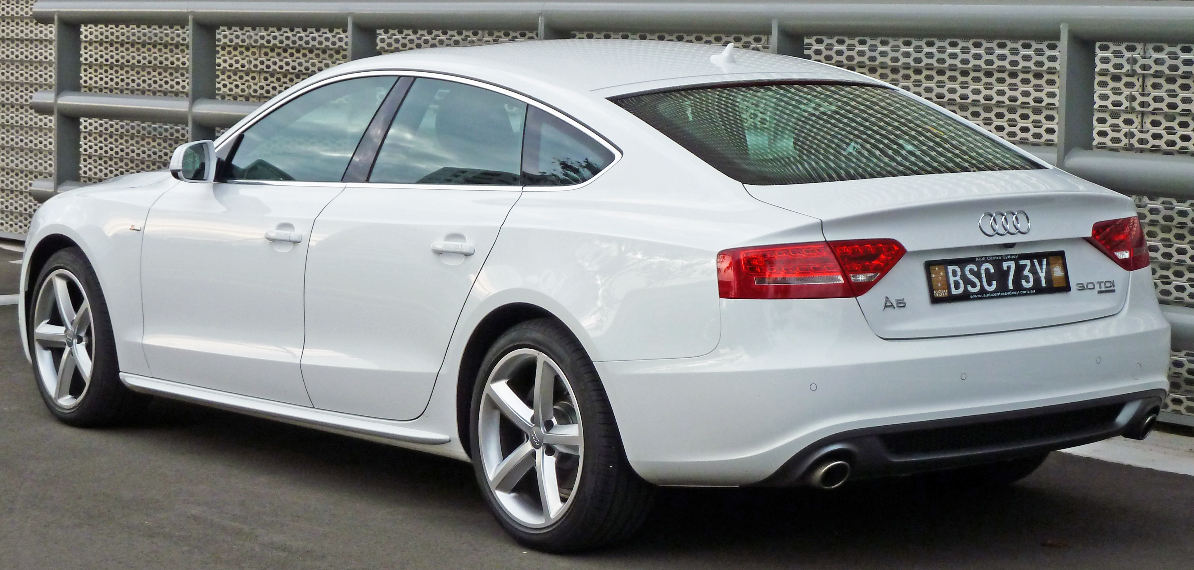 Audi A5 2016 Exterior Rear Side View