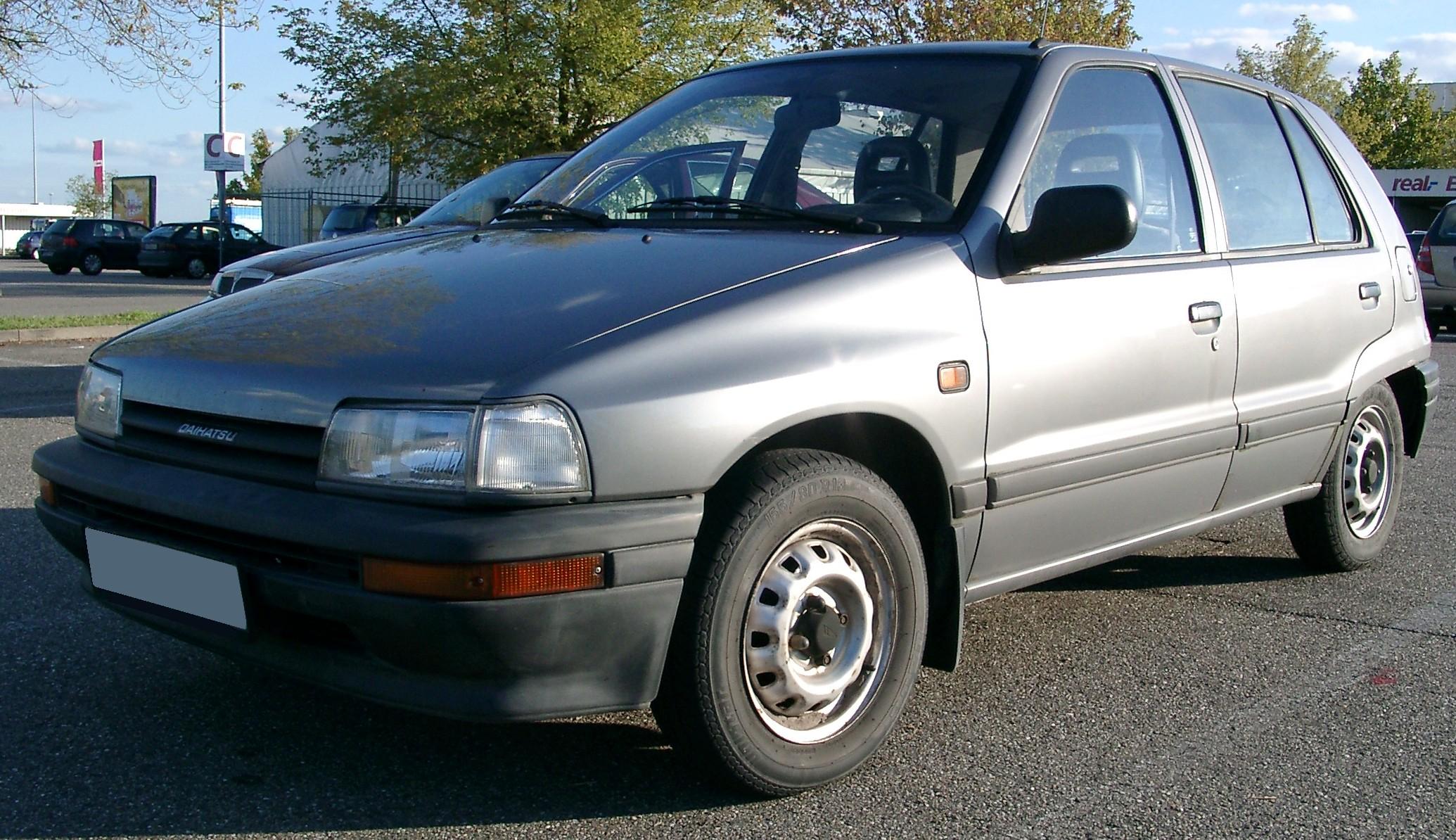 Daihatsu Charade 1993 Exterior Front Side View