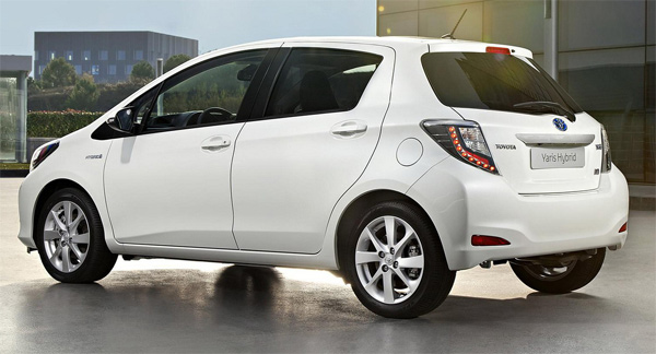 Toyota Vitz 2010 Exterior Rear View