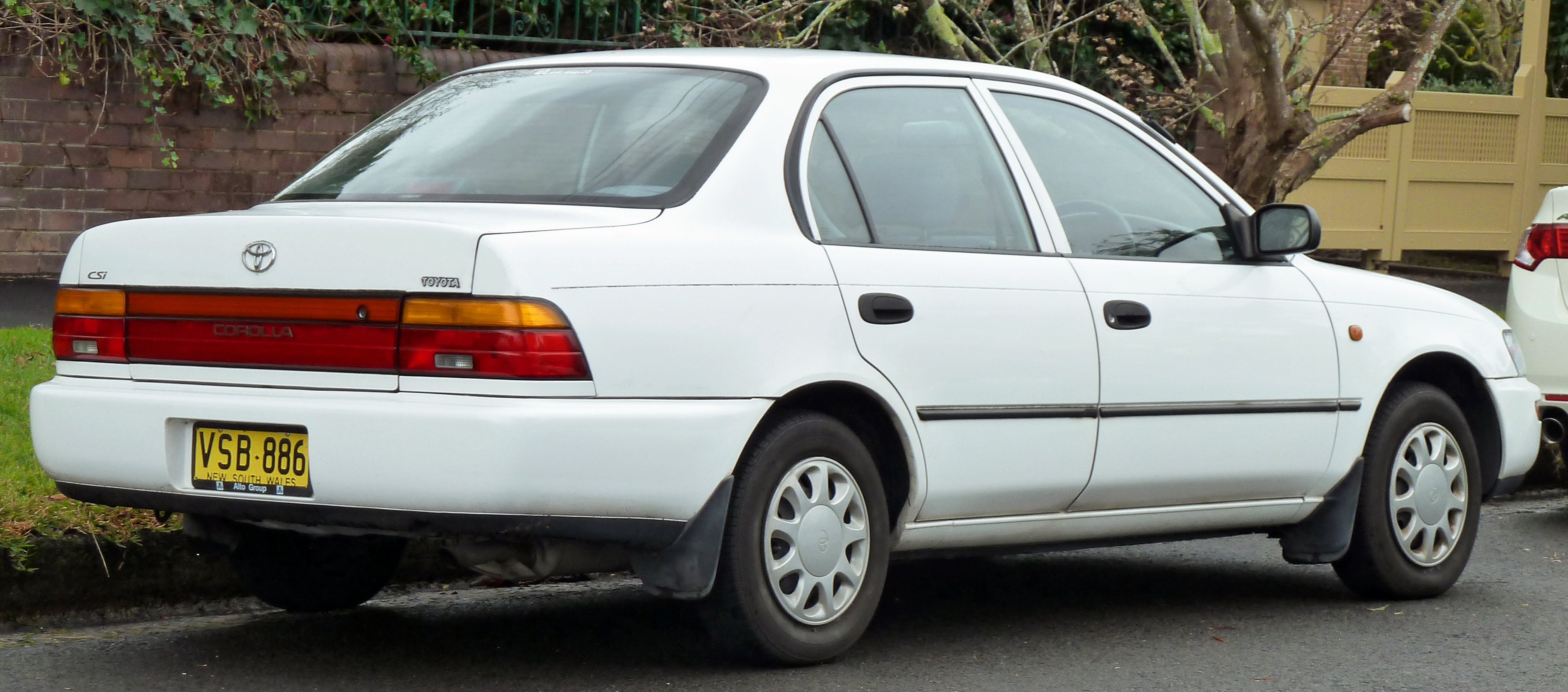 Toyota Corolla 2002 Exterior Rear Side View