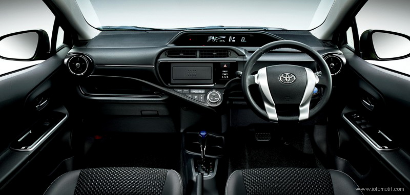 Toyota Aqua  Interior Dashboard