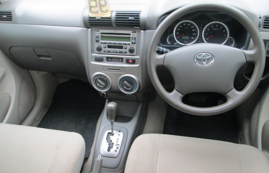 Toyota Avanza 2010