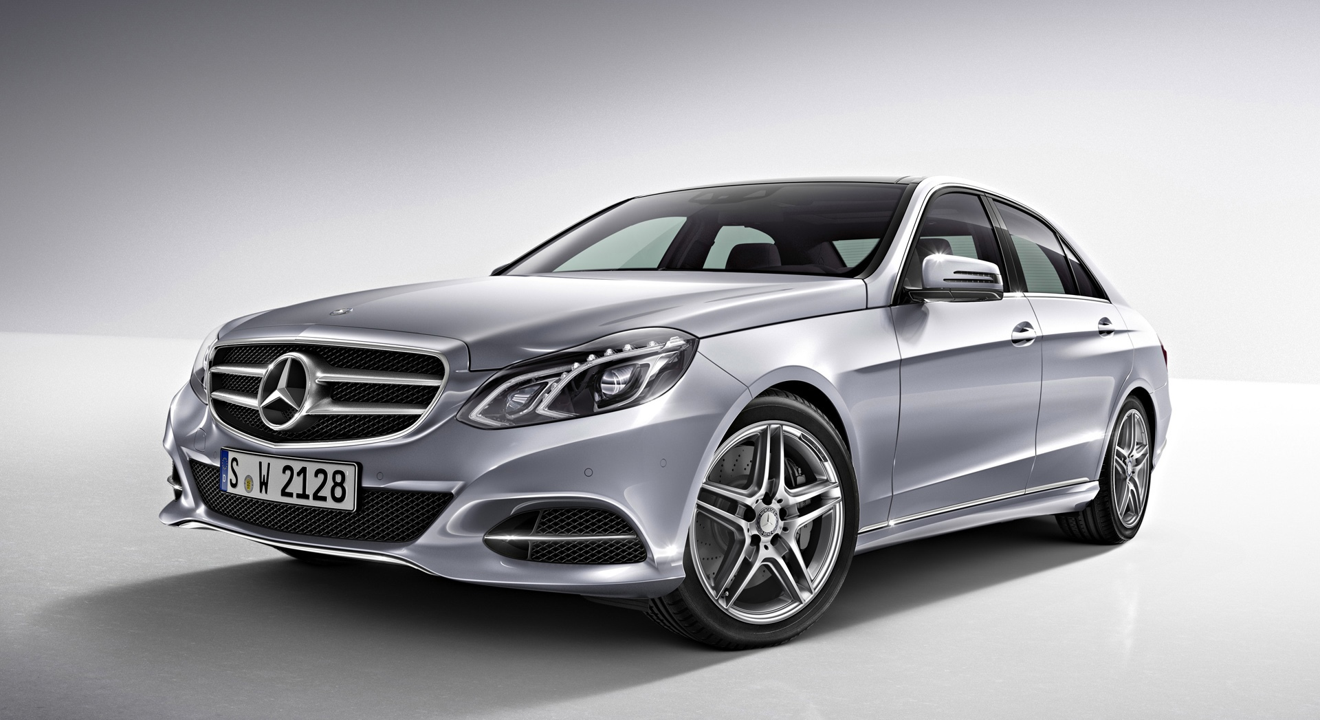 Mercedes Benz E Class 2016 Exterior Front Side View - Facelift
