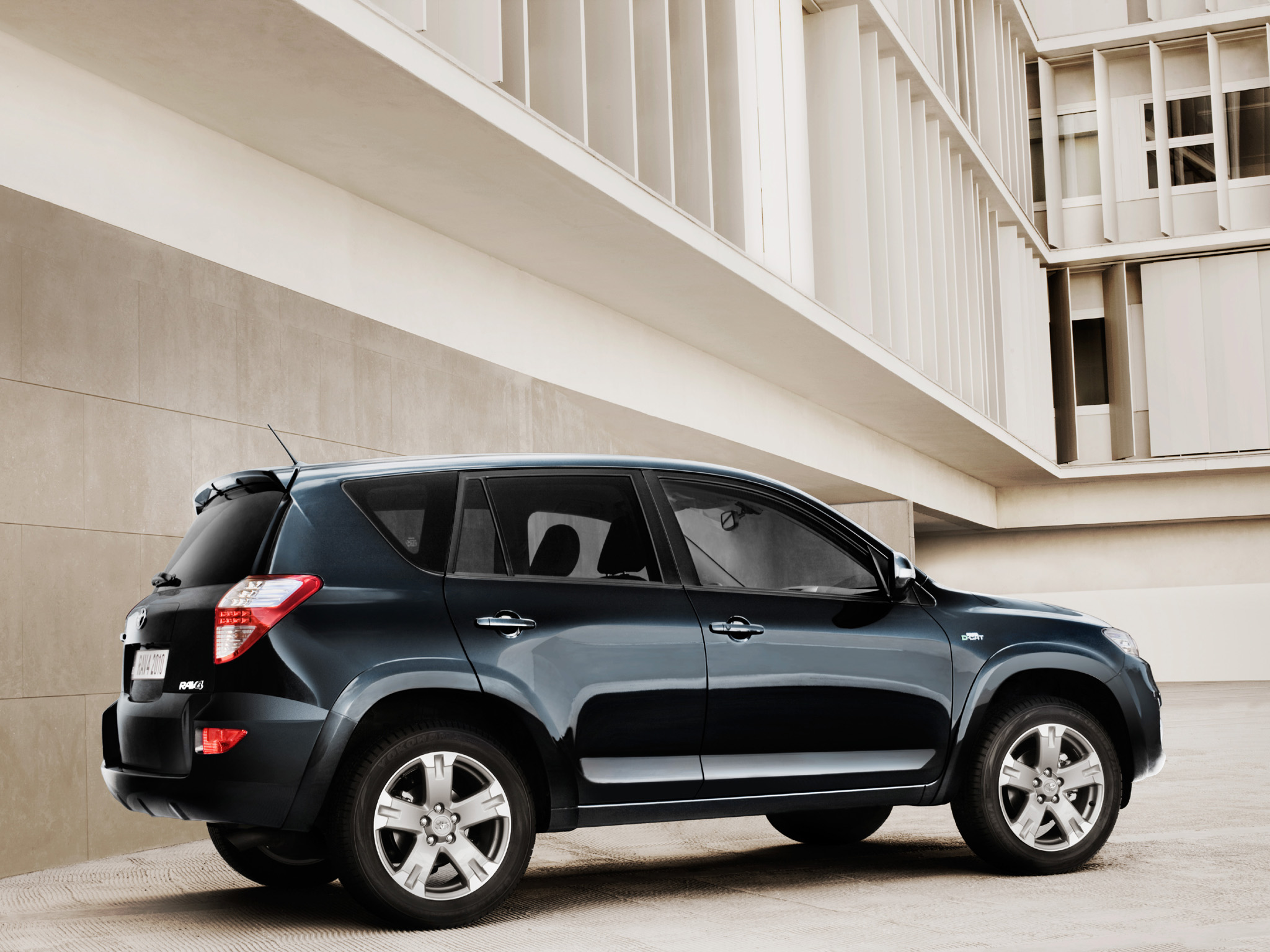 toyota rav4 2018 prices in pakistan pictures and reviews pakwheels. Black Bedroom Furniture Sets. Home Design Ideas