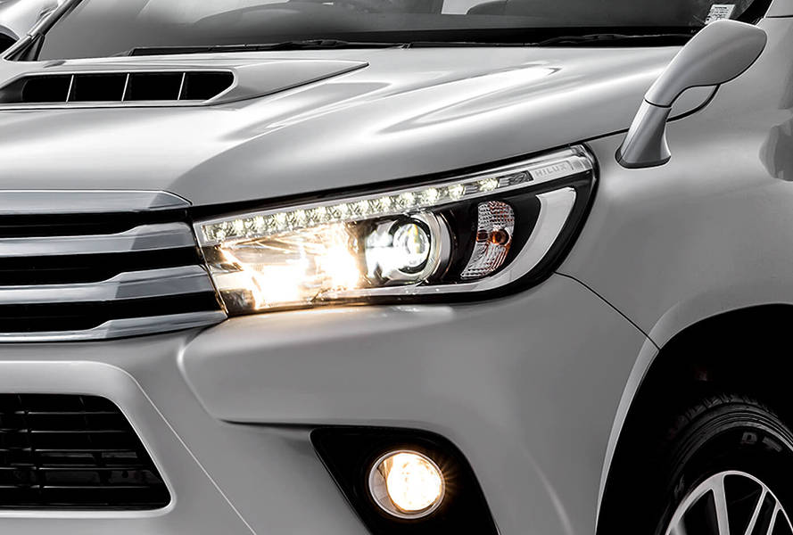 Toyota Hilux 2018 Exterior LED Headlamps