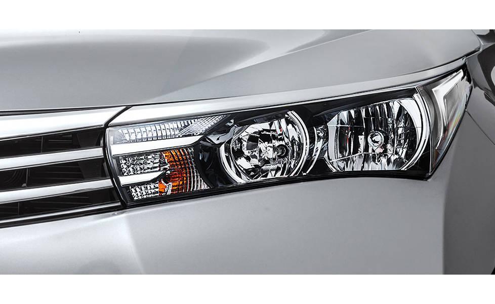 Toyota Corolla 2020 Exterior Front Halogen Headlamps