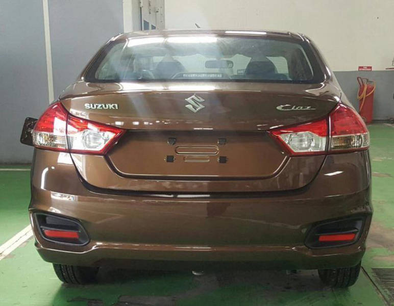 2017 further Honda Civic 2003 IDUTb7T besides Olx Bangalore Furniture likewise 7C 7Cschopfercorp 5E  7Cwp Content 7Cuploads 7C2012 7Cnon Custom Paid Cars For Sale In Pakistan Olx 745 5E together with Toyota Prius G Toring Full Option IDW71j1. on olx pakistan islamabad cars