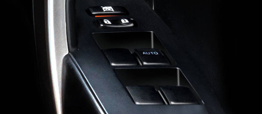 Toyota Corolla 2019 Interior Power window control